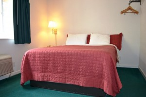 Berkeley Inn Accessible Queen Guestroom