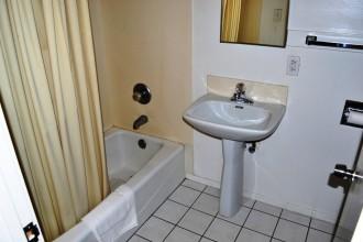 All rooms at The Berkeley Inn offer private bathrooms